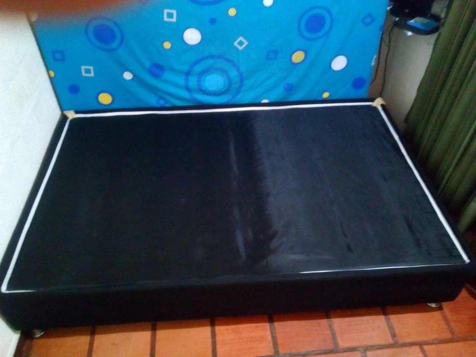 Se vende cama base de 1.90 X 1.20 en excelente estado, poco uso.