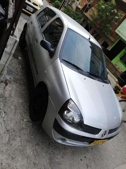 Renault Clio  2006 - 183531 km