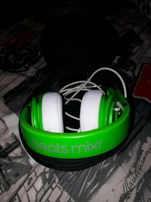 Audífonos Beats Mixr