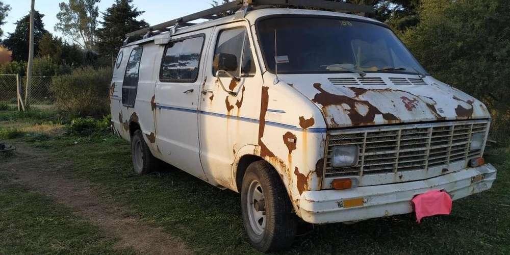 Vendo o Permuto Dodge Van Ram Motor nissan ED33