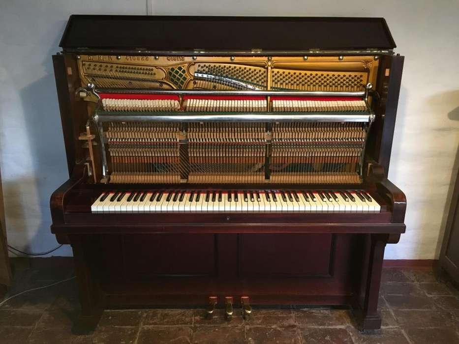 Piano Vertical Aleman E. Körner