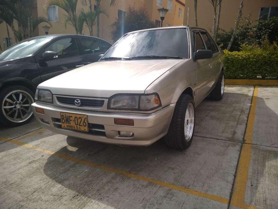 Mazda 323 2002 - 186000 km