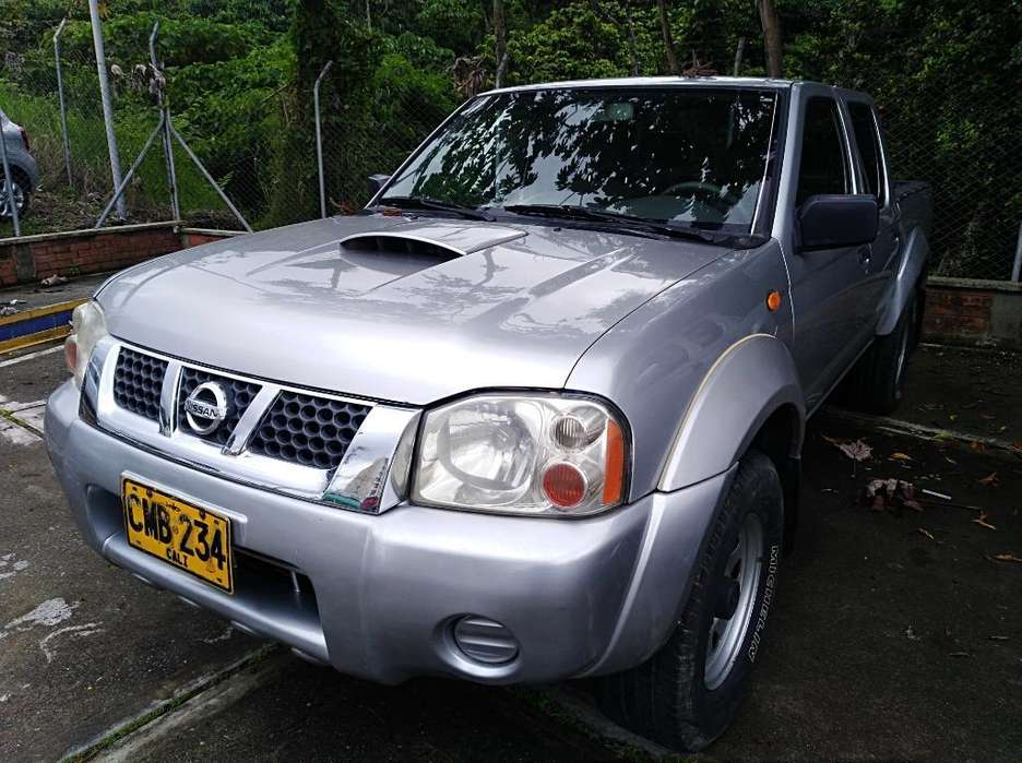 Nissan Frontier 2004 - 261200 km