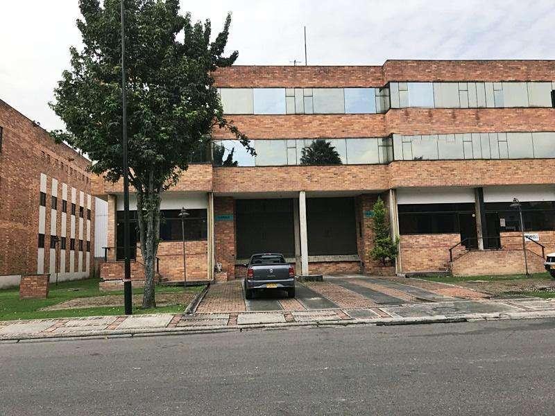 Bodega En Venta En Bogota Fontibon Cod. VBPRE65293