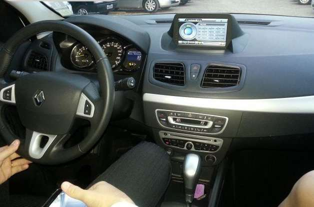 RENAULT FLUENCE ESTEREO CENTRAL MULTIMEDIA STEREO CON ANDROID, GPS, BLUETOOTH