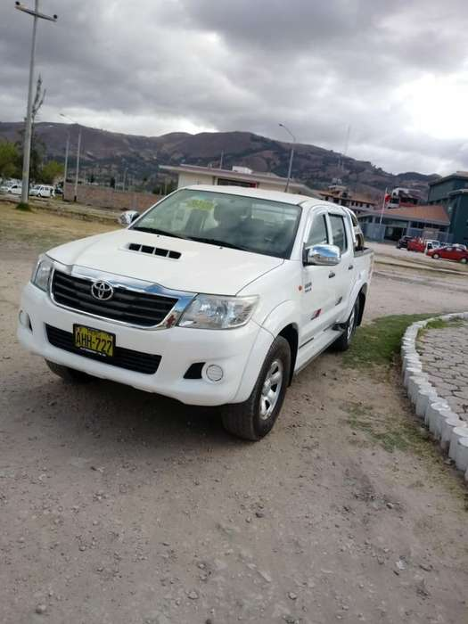 Toyota Hilux 2015 - 83000 km