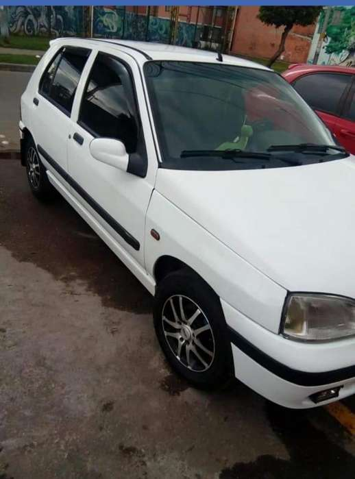 Renault Clio  2000 - 162000 km