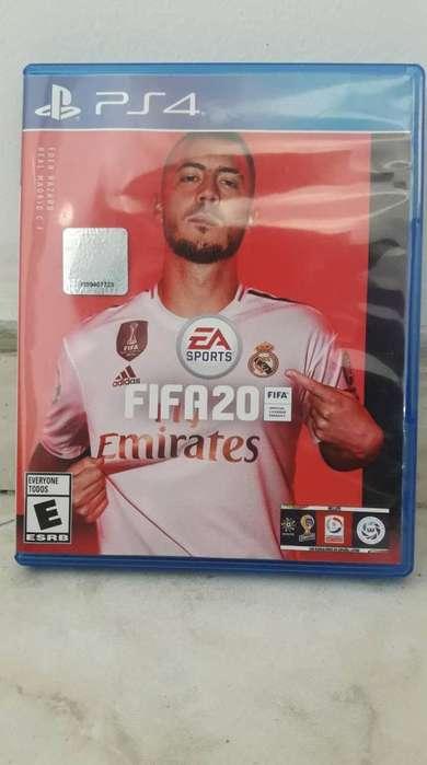 FIFA 20 para PS4 practicamente nuevo