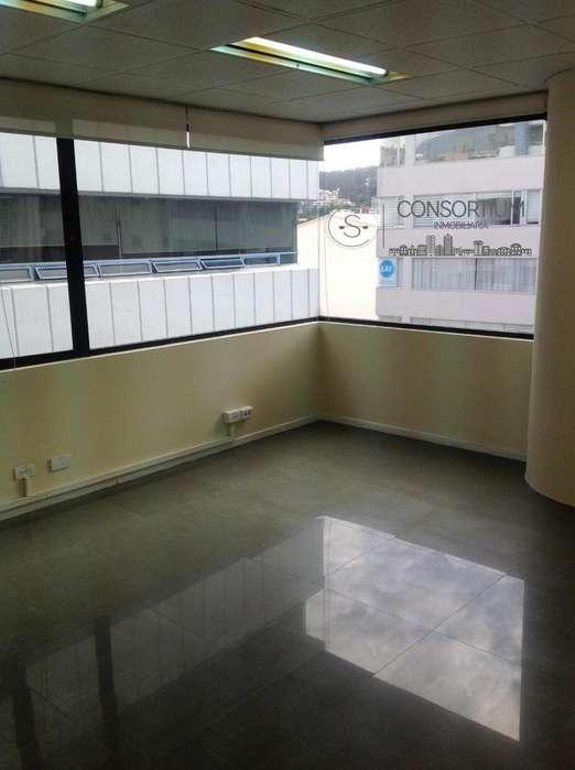 Se renta oficina de 60m en Av. República de El Salvador