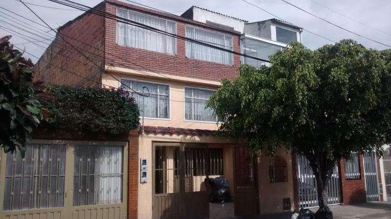 Casa En Venta En Bogota La Serena Cod. VBBRE1764