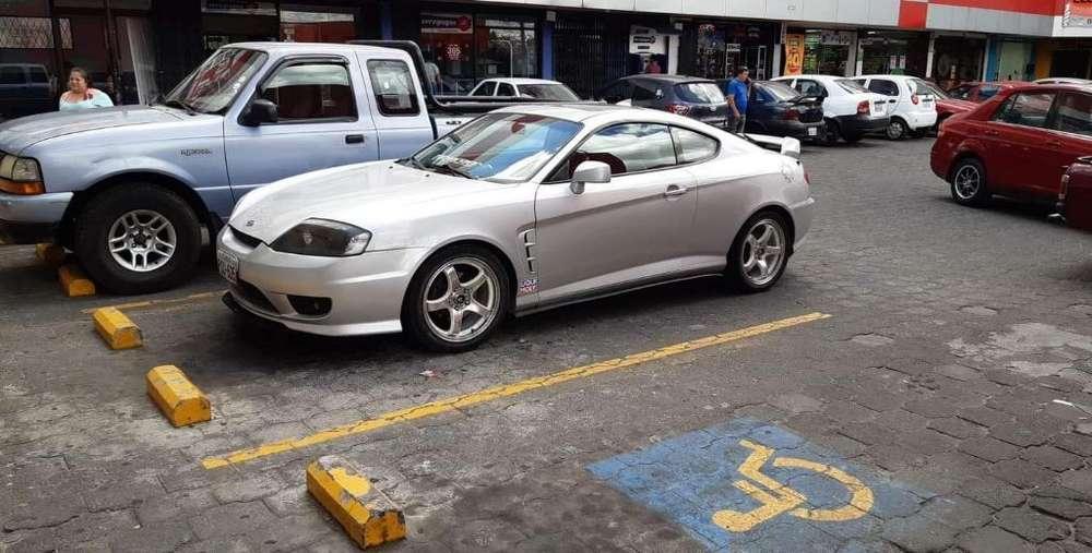 Hyundai Genesis 2006 - 115000 km