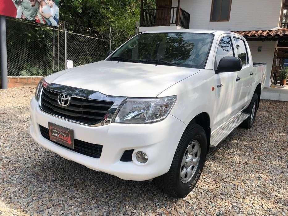 Toyota Hilux 2012 - 64325 km