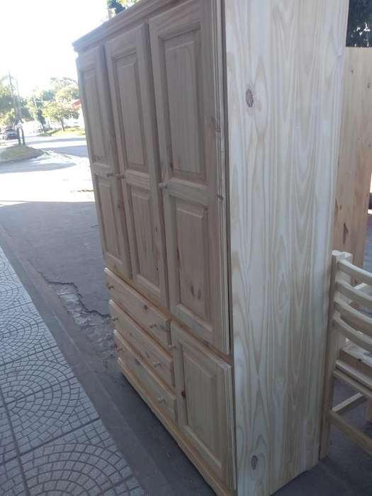 Ropero de 1.20 Pino con 3 Puertas