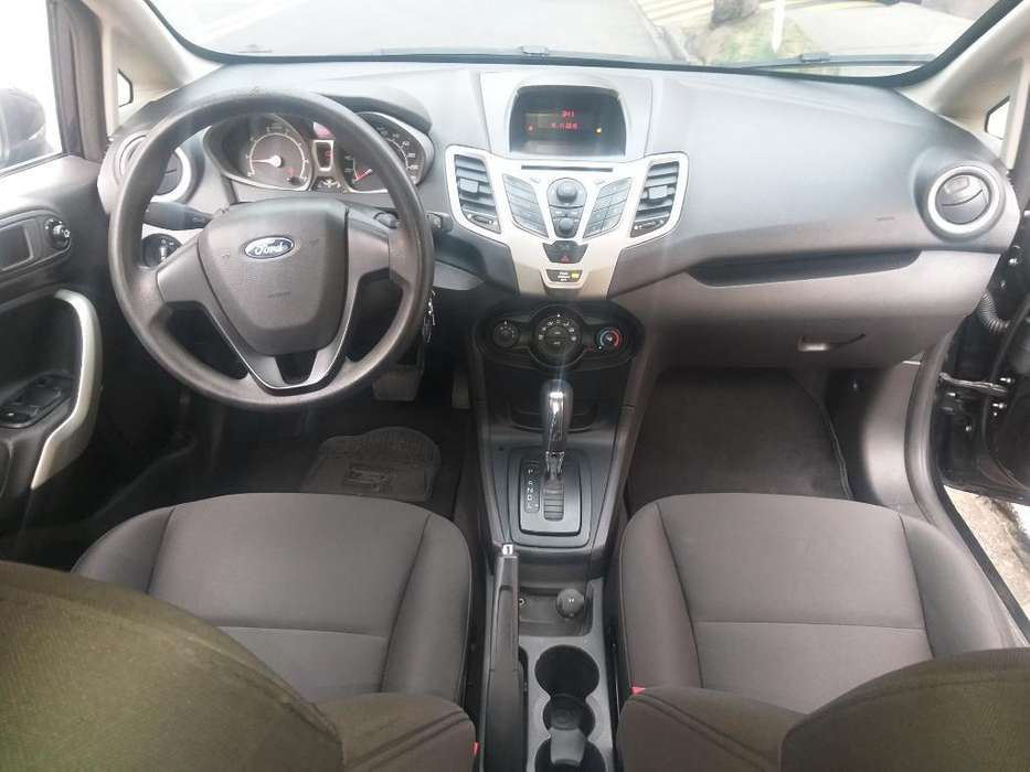 Ford Fiesta  2011 - 69000 km