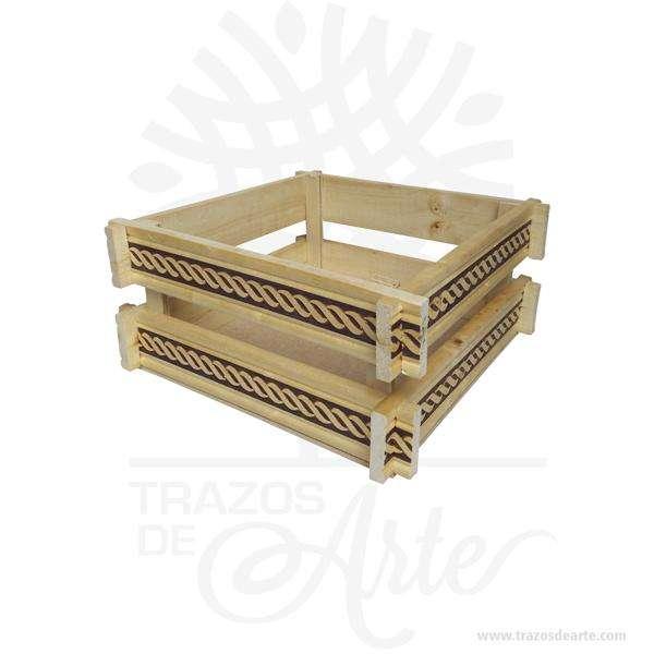 Canasto en madera de pino con labrado de 22 x 22 x 10 cm – Precio COP