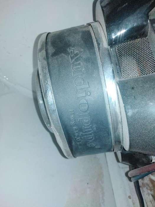 Bajos Audio Pipe de 15 con Cajon Turbo