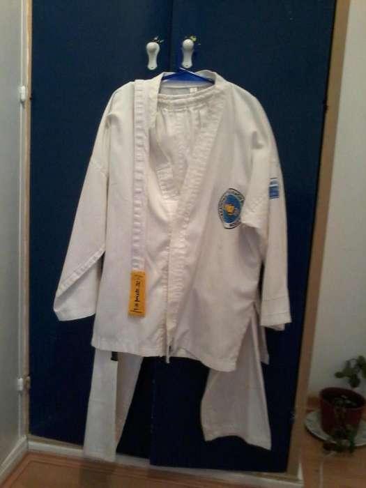 Vestimenta Taekwondo