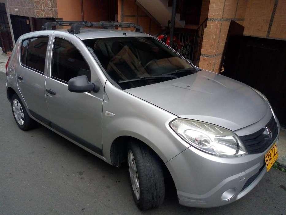 Renault Sandero 2011 - 104800 km