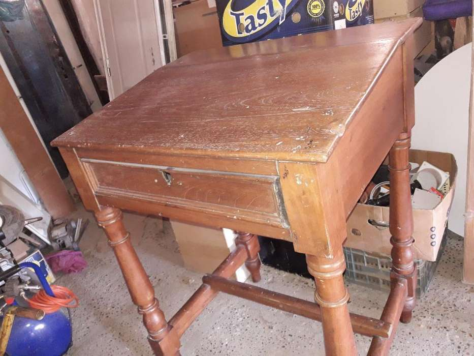 <strong>escritorio</strong> Alto con Un Cajon Antiguo