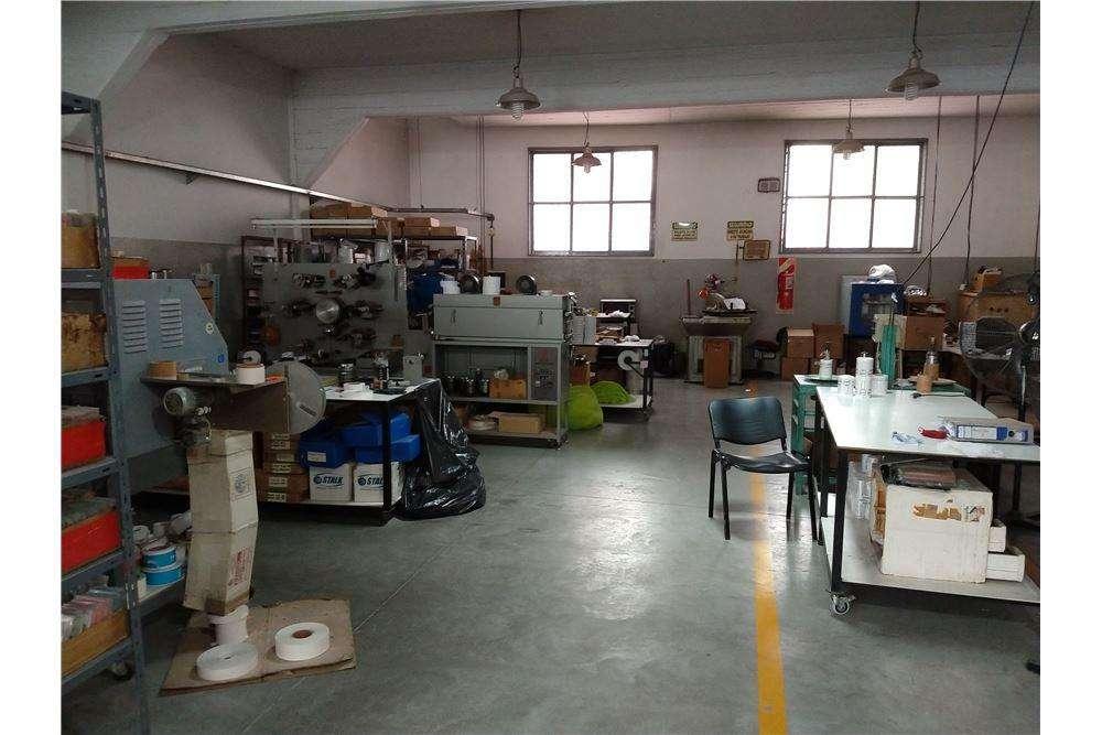 Alquiler de galpón industrial-oficina-San Martin