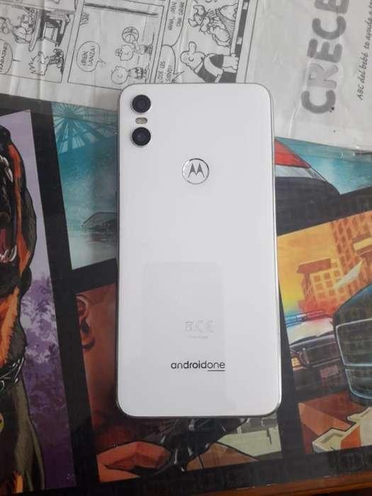 Celular Motorola One blanco, de 64 GB, 4 RAM, 2 cámaras, NFC y TurboPower