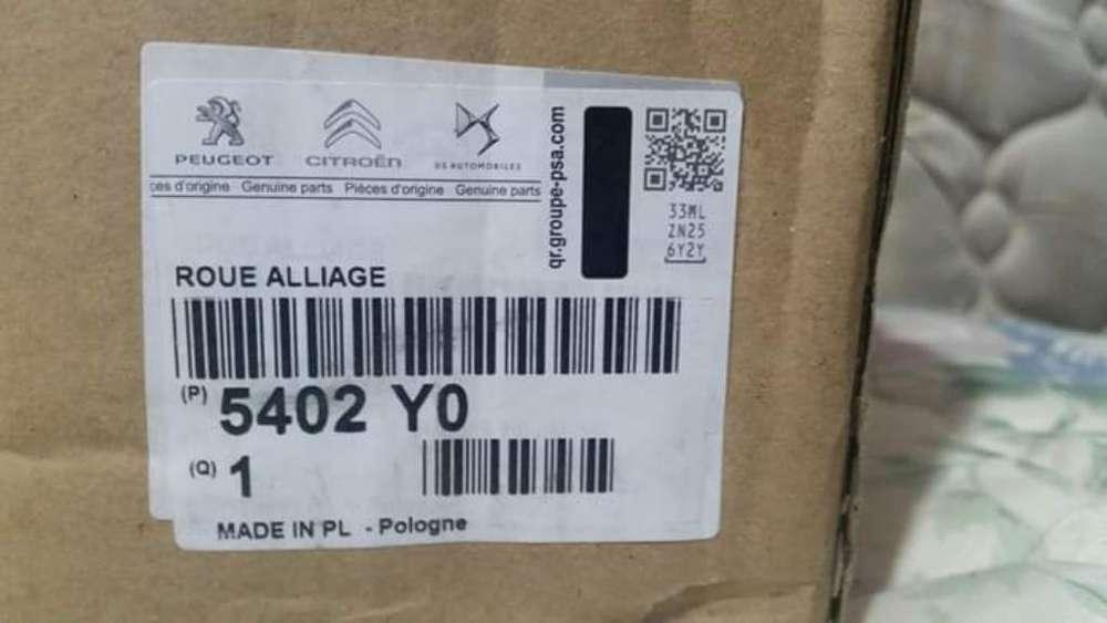 Vendo Llanta de Aleación Stromboli R17 C