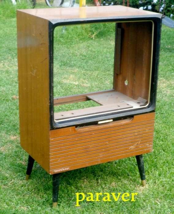 Muebles de TV p/usar de mesa estante ò porta tv antiguo y raro