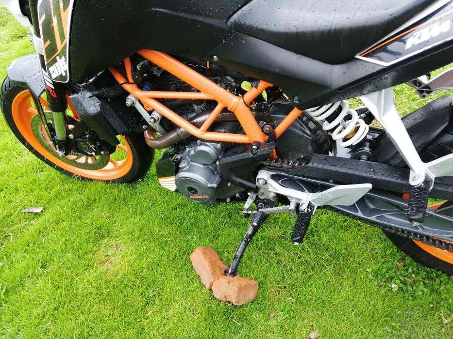Vendo Moto Duke Ktm 390