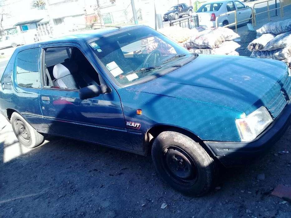Peugeot 205 1998 - 0 km