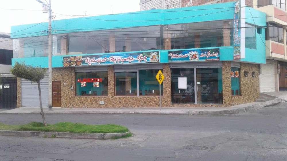 Vendo hernosa casa comercial de 2 pisos en Riobamba ubicada en el complejo de la <strong>panaderia</strong> esquinera