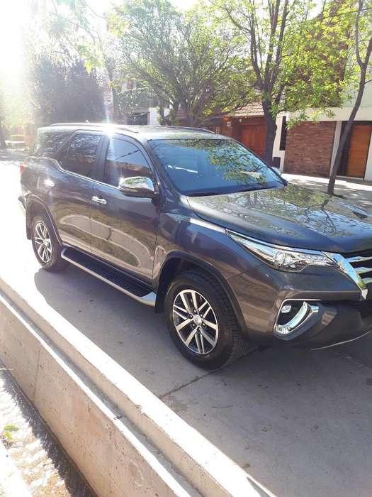 Toyota Hilux SW4 2019 - 340000 km