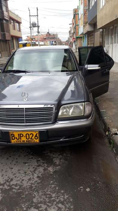 <strong>mercedes</strong>-Benz Clase C 1998 - 180000 km