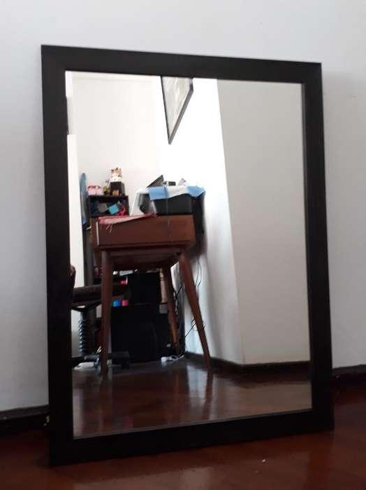 Espejo con Marco de Madera 60x80