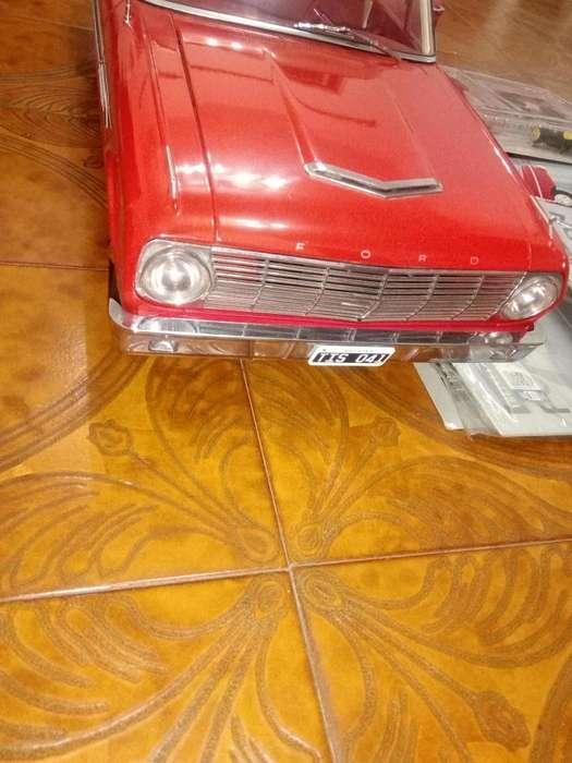 Ford Falcon 1/8 Salvat