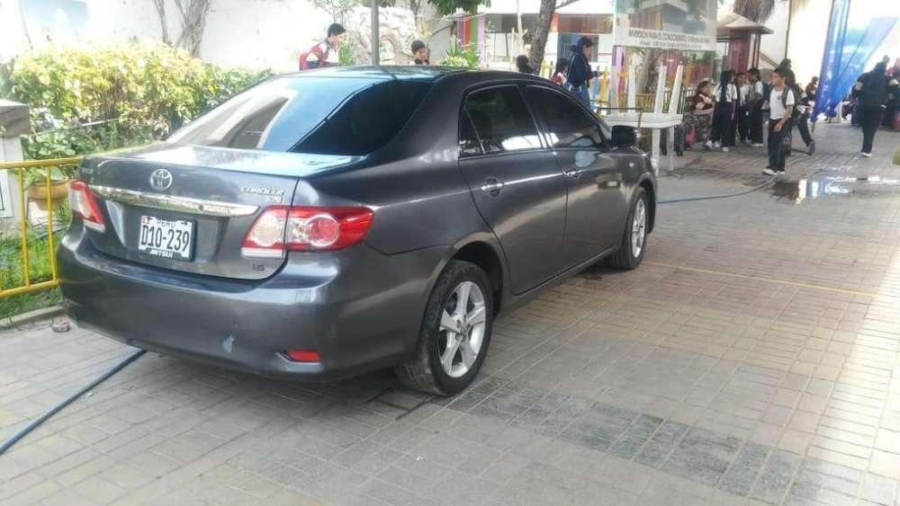 Toyota Corolla 2013 - 15000 km