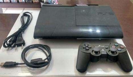 PS3 super slim 500gb en perfecto estado con 7 juegos físicos y 25 digitales.