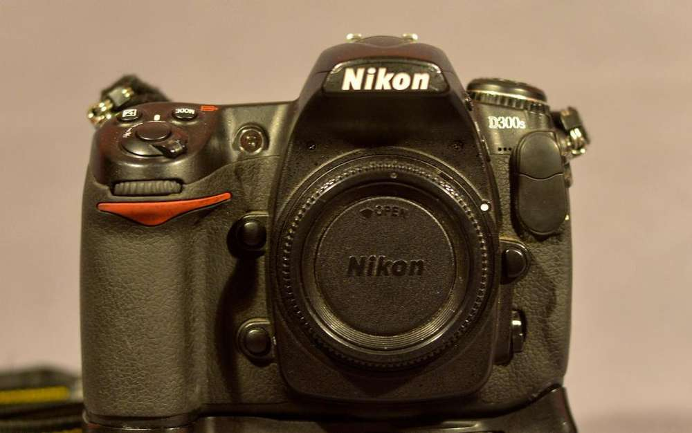 Camara Digital Nikon D 300s Cuerpo