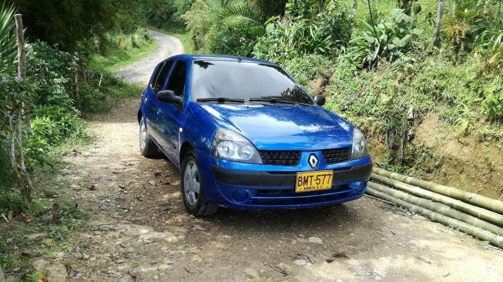 Renault Clio  2003 - 147740 km