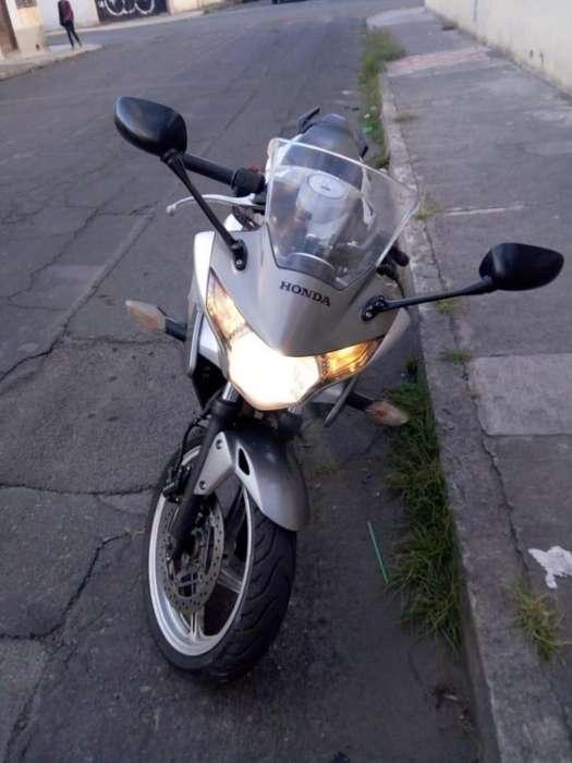 Flamante Honda Cbr 2013 a Mi Nombre