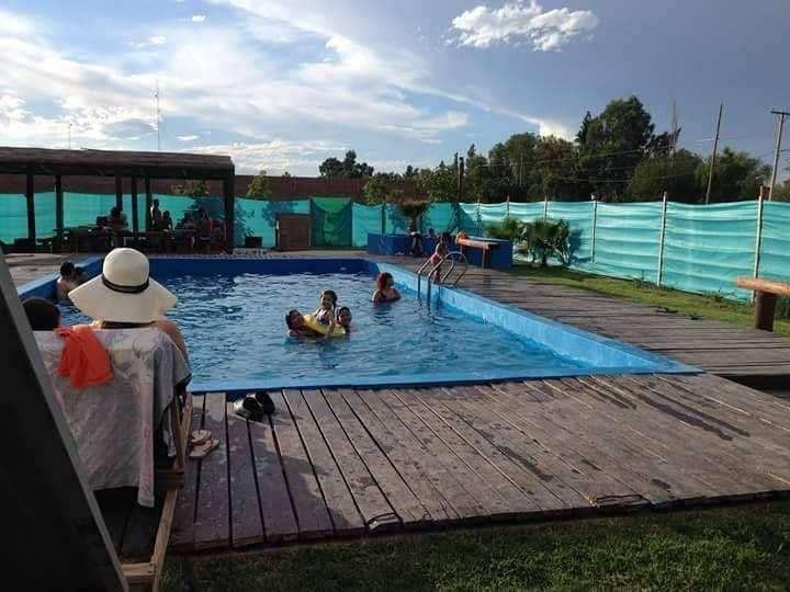 qa23 - Cabaña para 2 a 14 personas con pileta y cochera en San Juan