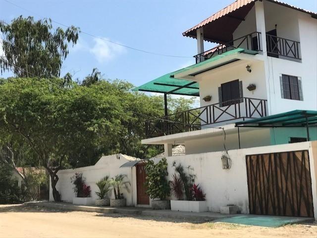 Alquiler/ Renta casa vacacional en Avistamiento de Ballenas Ayangue para 10 personas