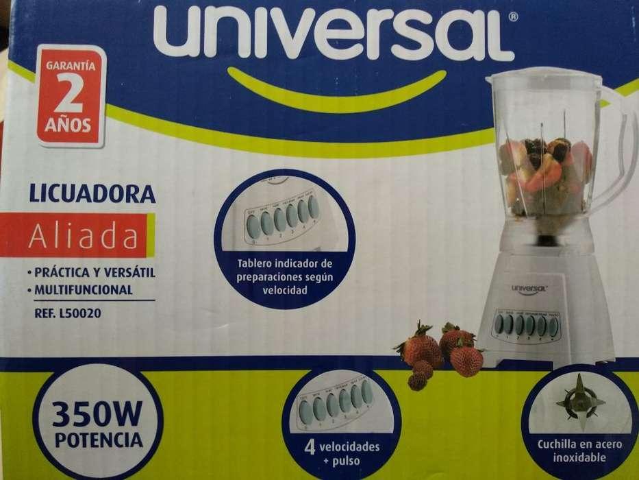 Licuadora Universal 1.5 L 4 Vel.