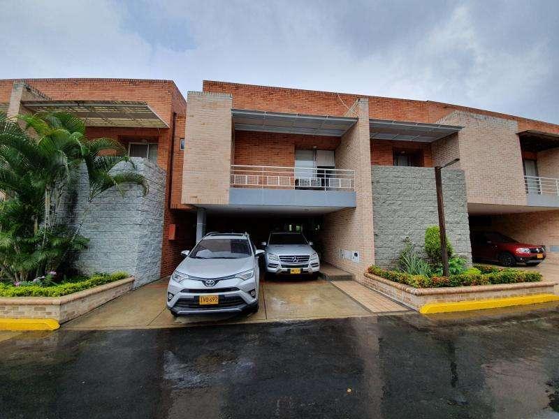Casa Condominio En Venta En Cali <strong>ciudad</strong> Jardín Cod. VBSBI11671