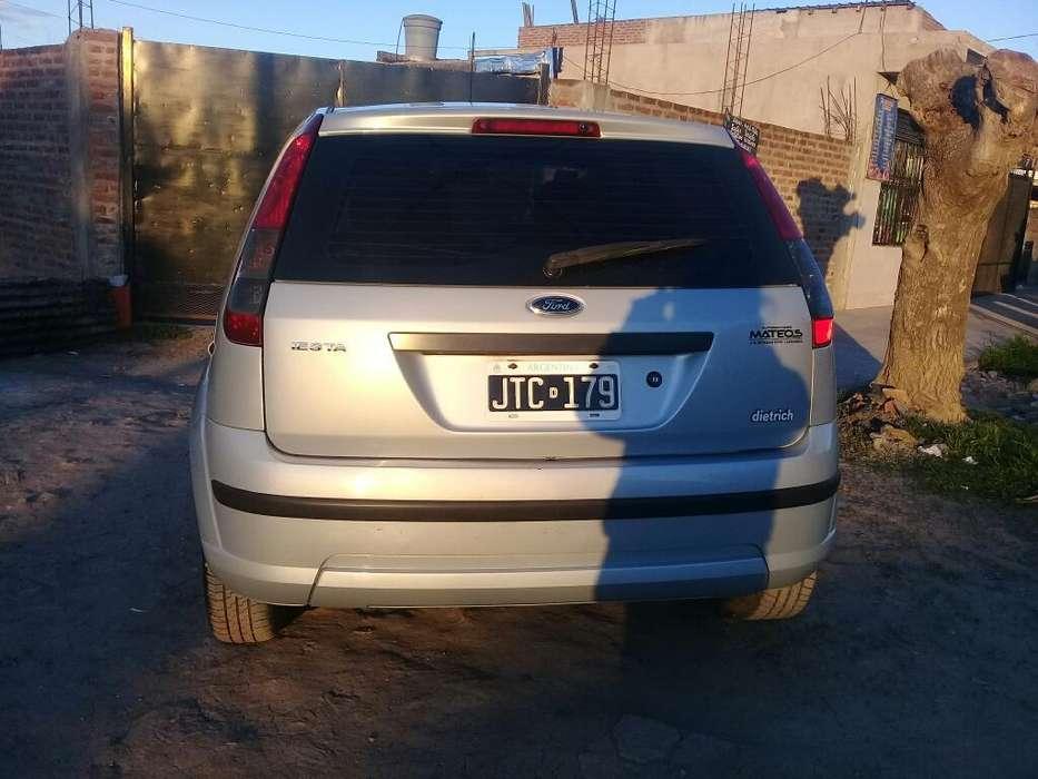 Ford Fiesta  2011 - 159000 km