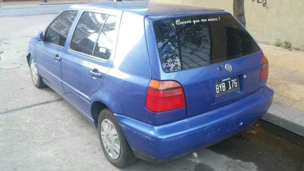 Volkswagen Golf 1998 - 215086 km