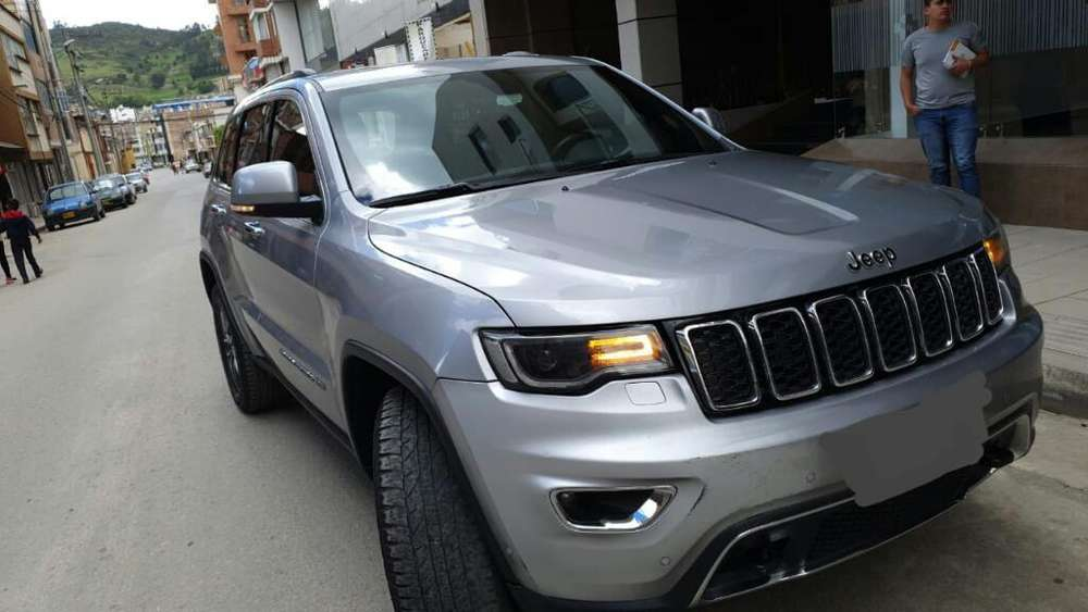 JEEP GRAND CHEROKEE 2018 - 50000 km