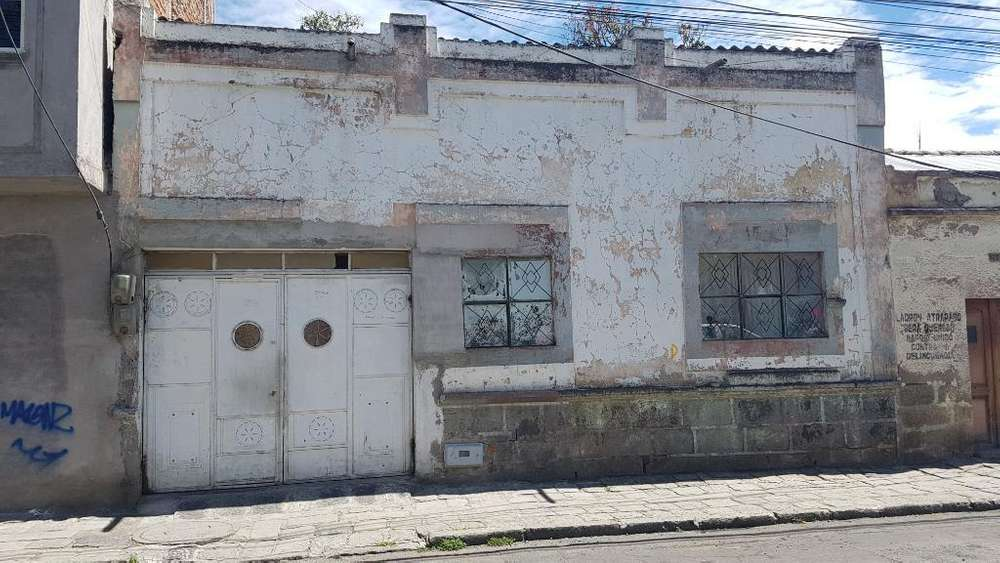 Casa en Venta, Garcia Moreno Y Esmeralda