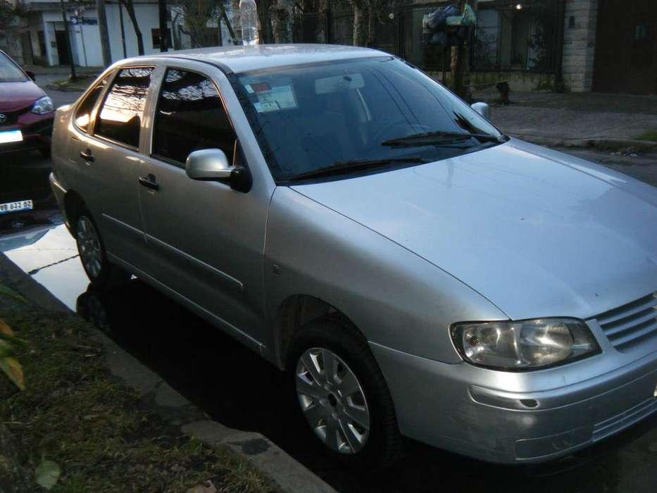 Volkswagen Polo 2008 - 209000 km