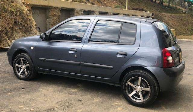 Renault Clio  2009 - 92000 km