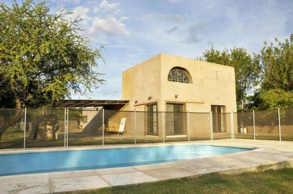 gc02 - Casa para 1 a 6 personas con pileta y cochera en Mendiolaza